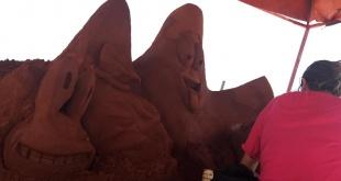 Las esculturas van tomando forma.