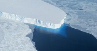 Científicos de la NASA descubrieron la gigantesca cavidad en el glaciar Thwaites, en la Antártida Occidental.