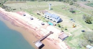 """Vista general aérea de la  mansión de """"Cucho"""", que actualmente se encuentra en el """"ojo de la tormenta""""."""