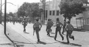 La Policía stronista reprimiendo una manifestación.