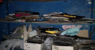 Se incautaron aproximadamente 100 bolsas con celulares.