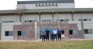 Comitiva de la APF durante la verificación de las obras en la ciudad de Encarnación. (Foto APF).