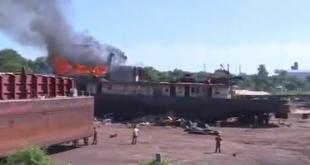 """Así se propagó el fuego que consumió la barcaza """"Cavalier""""."""