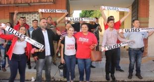 """El apoderado del movimiento """"Dignidad y Firmeza"""", Elías Fox, se encargó de inscribir la candidatura de Quintana. Foto: @UNO650AM."""