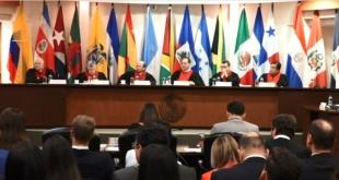 """Plana mayor de los jueces de la Corte IDH, en la causa """"Arrom Suhurt y otros vs. Paraguay""""."""