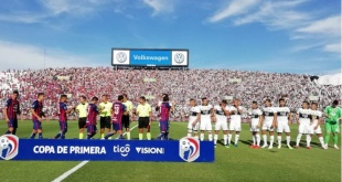 Quedó programado el clásico del balompié nacional entre los tradicionales rivales Olimpia y Cerro Porteño. Foto: APF.