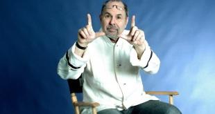 Dov Simens, instructor de cine y líder del rubro en Estados Unidos.