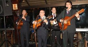Rigoberto Arévalo y su trío de siempre actuará esta noche en el Teatro Municipal Ignacio A. Pane, de Asunción.
