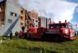 Los intervinientes presumen que la causa del incendio sería la explosión de un aire acondicionado y hasta el momento no se reportan víctimas. Foto: Fabián Sanchez - ADN Paraguayo.