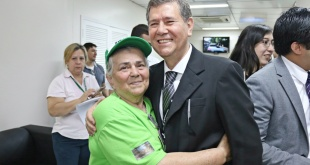 El gerente ejecutivo de Tesãi, Pablino Cáceres, se reunió con jubilados de la Itaipú.