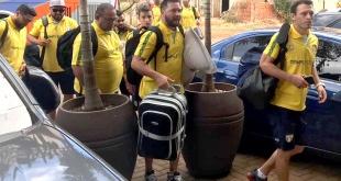 Integrantes de la Selección Brasileña, a su llegada al hotel en el que quedaron hospedados.