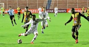 Libertad sacó un punto importante en la altura de La Paz, en su debut en la Copa Libertadores. (Foto Prensa Libertad).