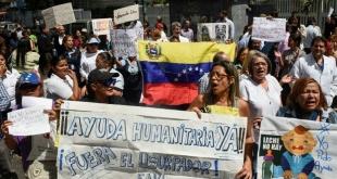 Los venezolanos lamentan la escasez de insumos básicos y medicamentos.