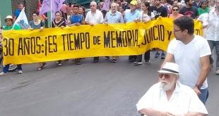 Los manifestantes marcharon hasta la Plaza de los Desaparecidos.