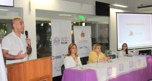 El ministro de Salud, doctor Julio Mazzoleni, durante el acto de rendición de cuentas de Ciudad Mujer.