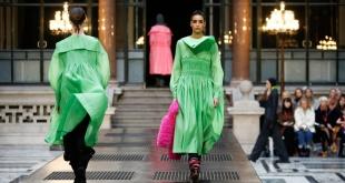 El verde predominó en los diseños presentados por los profesionales de la moda.