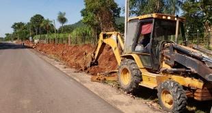Los trabajos ejecutados corresponden a construcción de cuneta con revestido de hormigón, macadam hidráulico y carpeta asfáltica.