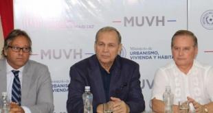 De la presentación participaron entre otros, los Intendentes de Asunción, Ñemby, Mariano Roque Alonso.