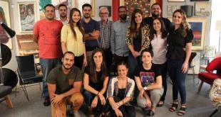 Ranjiv Ramgolam con integrantes del equipo de Publicitaria Nasta.