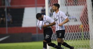 Antonio Bareiro celebra su conquista.