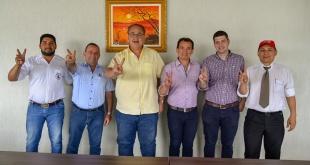 Roberto González Vaesken y algunos precandidatos a la intendencia de Ciudad del Este.