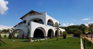 Este mediodía, Ayala se reunió con funcionarios de la Senabico, a quienes comunicó su decisión de cancelar el alquiler y luego entregó las llaves del lugar.