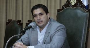 Robert Harrison mantuvo ayer una reunión con los presidentes de clubes acerca de lo acontecido con Juan Carlos Osorio