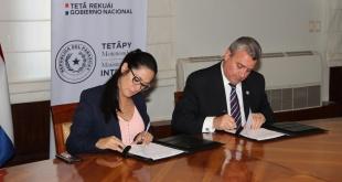 El acto se cumplió en el salón de reuniones del Ministerio del Interior, y fue presidido por el Ministro Juan Ernesto Villamayor.