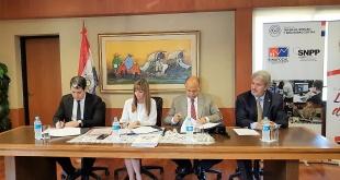 El acuerdo fue firmado por la Ministra de Trabajo, Empleo y Seguridad Social (MTESS), Carla Bacigalupo, el Titular del Sinafocal, Econ. Alfredo Mongelós y el Pdte. Del Gremio de industriales, Gustavo Volpe.