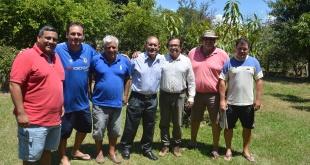 Integrantes de la comisión pro festejo, por los 68 años de vida institucional del club Sportivo San José, de San José de los Arroyos.