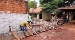 Los tinglados son construidos por la Municipalidad local con recursos del Fonacide.