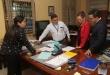 Fiscales, Rodrigo Estigarribia y Susy Riquelme, mientras procedían en la incautación de documentos.