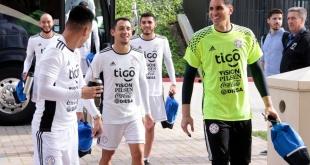 Pese a la caída ante Perú, el seleccionado paraguayo encara con buen ambiente el duelo de esta noche ante México. (Foto: Prensa Albirroja).