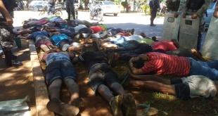 Fueron demoradas 55 personas que atacaron brutalmente a los intervinientes.