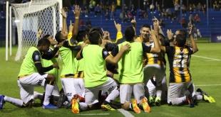 Los jugadores de Guaraní festejan uno de los goles ante Sol de América. Foto: @ClubGuarani.