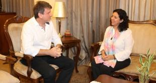 El ministro de Agricultura y Ganadería, Denis Lichi, y Marina Velazco, integrante del equipo del gabinete técnico del Instituto Paraguayo del Indígena (INDI).