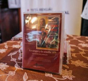"""El DVD interactivo """"La sangre y la semilla"""" lanzado ayer."""
