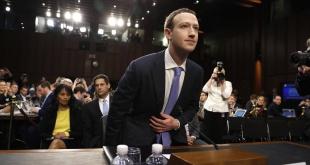 """El fundador de Facebook, Mark Zuckerberg, tuvo que declarar el pasado año ante el Congreso de los EE.UU. por el escándalo de Cambridge Analytica""""."""