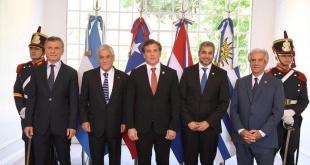 Mauricio Macri (Argentina), Sebastián Piñera (Chile), Alejandro Domínguez (Conmebol), Mario Abdo (Paraguay) y Tabaré Vázquez (Uruguay), en Olivos. (Prensa Conmebol).