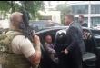 Momento en que el exmandatario Michel Temer, era escoltado por policías.