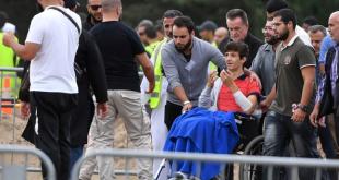 Zead Mustafa, durante el funeral de su padre Khaled y de su hermano Hamza Mustafa.