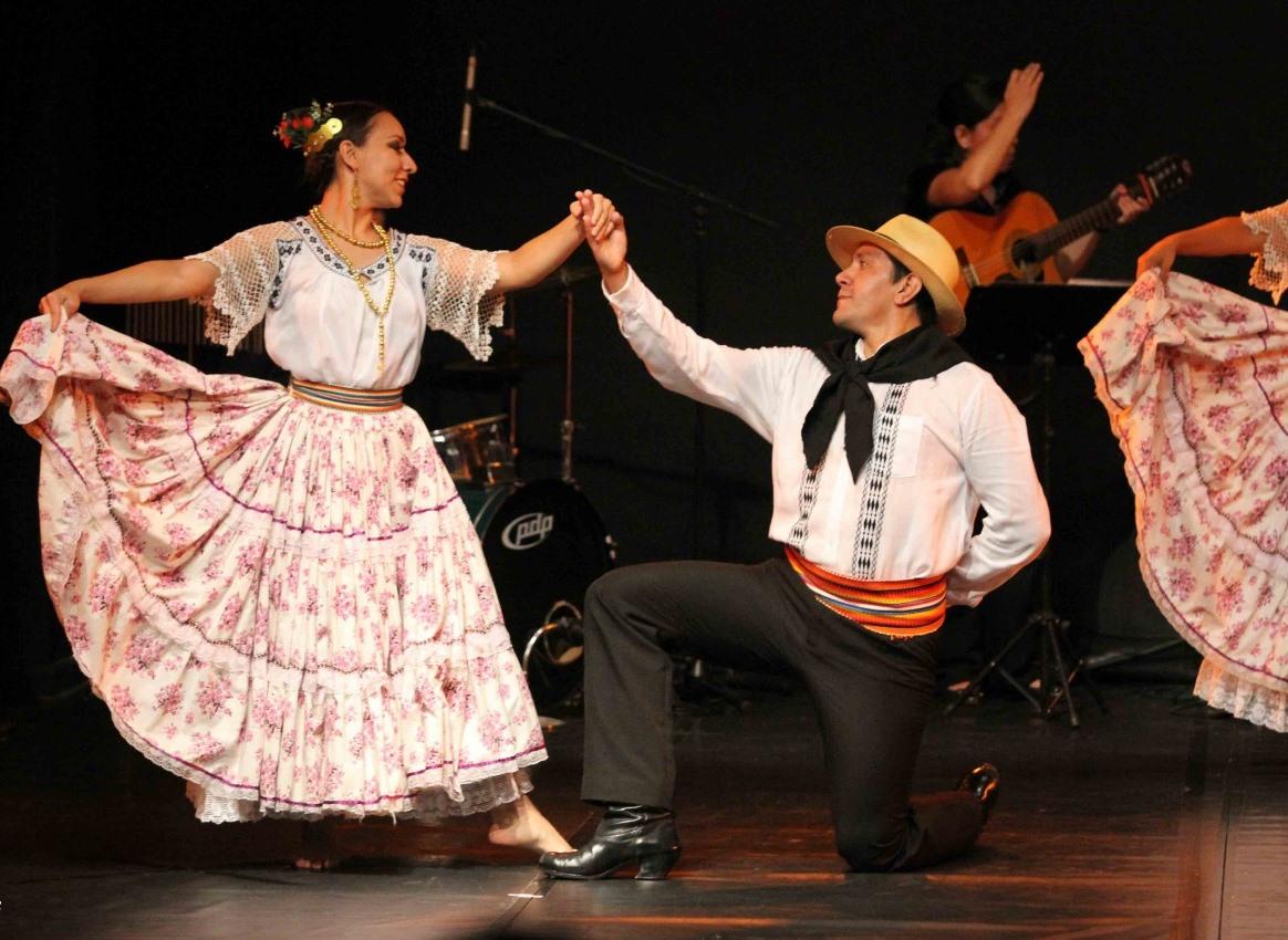 """El Ballet Nacional del Paraguay realiza este viernes su """"Gala Nacional""""."""