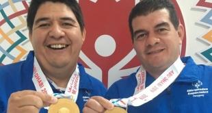 Víctor Saavedra e Ignacio Centurión conquistaron el  oro en dobles bochas masculino. (F: Prensa OEP)