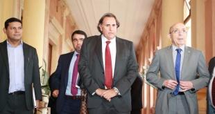 Ortíz señaló que hay muchas inversiones del Gobierno y que con ello se logrará mover la economía paraguaya. Foto: Radio 1000 AM.