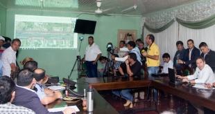 Durante la presentación del proyecto en la sede de la Municipalidad de Caaguazú.