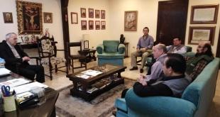Los integrantes de la Justicia Electoral junto al obispo Guillermo Steckling, quien aparece a la izquierda.