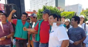 Teodoro Mercado, haciendo volanteada en la zona céntrica de Ciudad del Este.