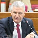 Mazzoleni apañó corrupción en Salud y eso complicó negociación por vacunas, afirmó senador Bacchetta