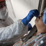 Covid: reportan 571 nuevos contagios, 10 fallecidos y 819 internados, 245 de ellos en UTI's