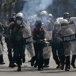 Represión policial deja al menos seis muertos en Birmania